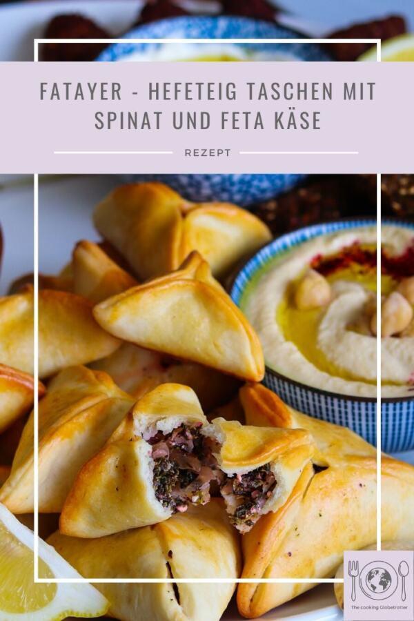 Fatayer sind Hefeteig Taschen aus dem Nahen Osten, gefüllt mit Spinat, Feta, Zwiebel und orientalische Gewürze, Libanon, Vorspeise, Meze
