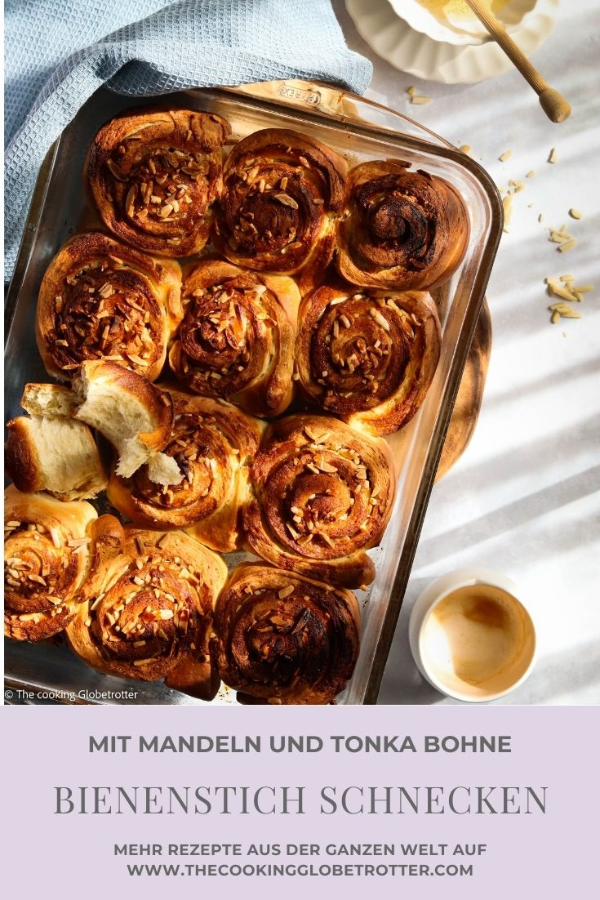 Pin für Pinterest zum Rezept von The cooking Globetrotter für Bienenstich Schnecken mit Tonka Bohne Honig und Mandeln, Hefeteig