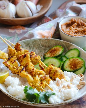 Hühnerspieße mit Erdnusssauce, Chicken Satay aus Singapur, ein Rezept von Laura The cooking Globetrotter