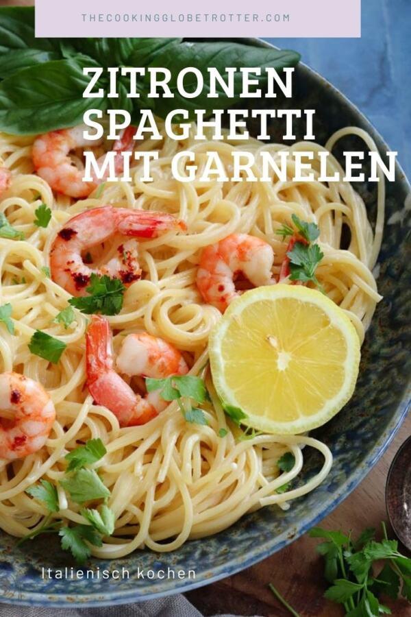 Zitronen-Spaghetti mit Garnelen sind ein schnelles und einfaches Sommer Gericht, das nach Sonne, Meer und Italien schmeckt und alle gerne essen.